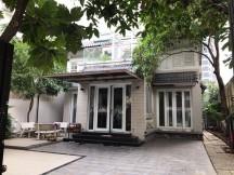 Cho thuê biệt thự phường thảo điền quận 2, nhà 350m2, sân vườn, nội thất cao cấp, 2800 usd