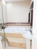 Cho thuê nhà mặt tiền đường Đỗ Quang, trệt, 1 lầu, 4PN, sân đậu ô tô