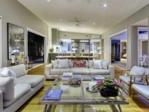 Cần tiền bán gấp Villa Thảo Điền, khu Compound. Nhà đẹp mê ly. Giá cực rẻ 15 tỷ
