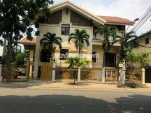 Bán biệt thự tại quận 2 nhà đẹp có hồ bơi và sân vườn gồm 3 tầng trên đường nguyễn văn hưởng