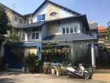 Nhà cần bán tại quận 2 khu Fideco Thảo Điền đầy đủ nội thất có sân vườn