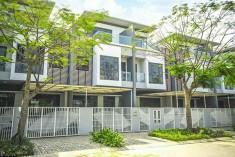Biệt Thự Phố Đông Full Nội Thất, Bán Gấp Giá Rẻ Chỉ 9,1 Tỷ. LH 0902802803