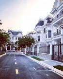 Bán biệt thự Victoria Village Quận 2 đối diện công viên, DT 200m2, nhà thô, giá bán tốt 30 tỷ