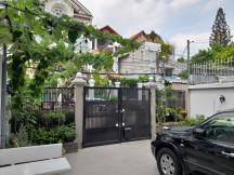 Bán biệt thự 215 Nguyễn Văn Hưởng, Thảo Điền Q2. DT 200m2, nhà đẹp, giá tốt 35 tỷ. LH 0934020014