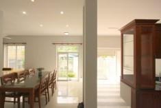 Bán nhà đẹp tại Thảo Điền, Quận 2, 110m2, giá 16 tỷ, 1 trệt 2 lầu, đường ô tô. LH: 0907661916