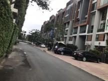 Bán nhà phố thương mại D2Eight, đối diện Vista Verde. DT 110m2, hầm + 7 tầng, giá tốt 27 tỷ