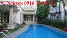 Cho thuê biệt thự Thảo Điền quận 2, đẹp lộng lẫy 300m2 trong Compound, hồ bơi, giá rẻ 1500USD/tháng