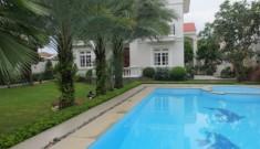 Cho thuê biệt thự mặt tiền Nguyễn Văn Hưởng Thảo Điền quận 2, 700m2, sân vườn hồ bơi, Giá 4000$