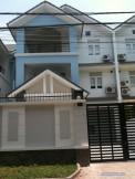 Cho thuê biệt thự Thảo điền quận 2,Nhà 10x27m,sân vườn trước sau,giá rẻ 1600 USD