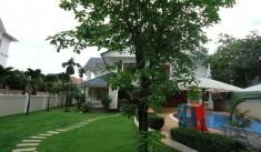 Cho thuê biệt thự quận 2, đường Nguyễn văn hưởng thảo điền, 600m2, sân vườn hồ bơi,giá 3000usd