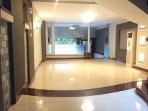 Cho thuê nhà trống suốt, 3 lầu, Nguyễn Văn Hưởng. Gía 7000$/tháng