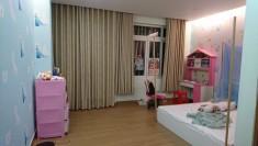 Nhà KDC Văn Minh, 2 phòng ngủ, nhà gỗ cổ, giá 1000$/tháng