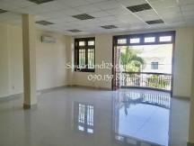 Cho Thuê Toà Văn Phòng Sàn Trống- 5 lầu  - Giá 120 triệu/tháng